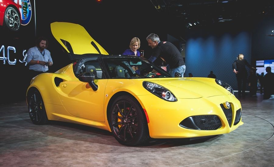 Alfa Romeo Unveils 4C Sports Coupe