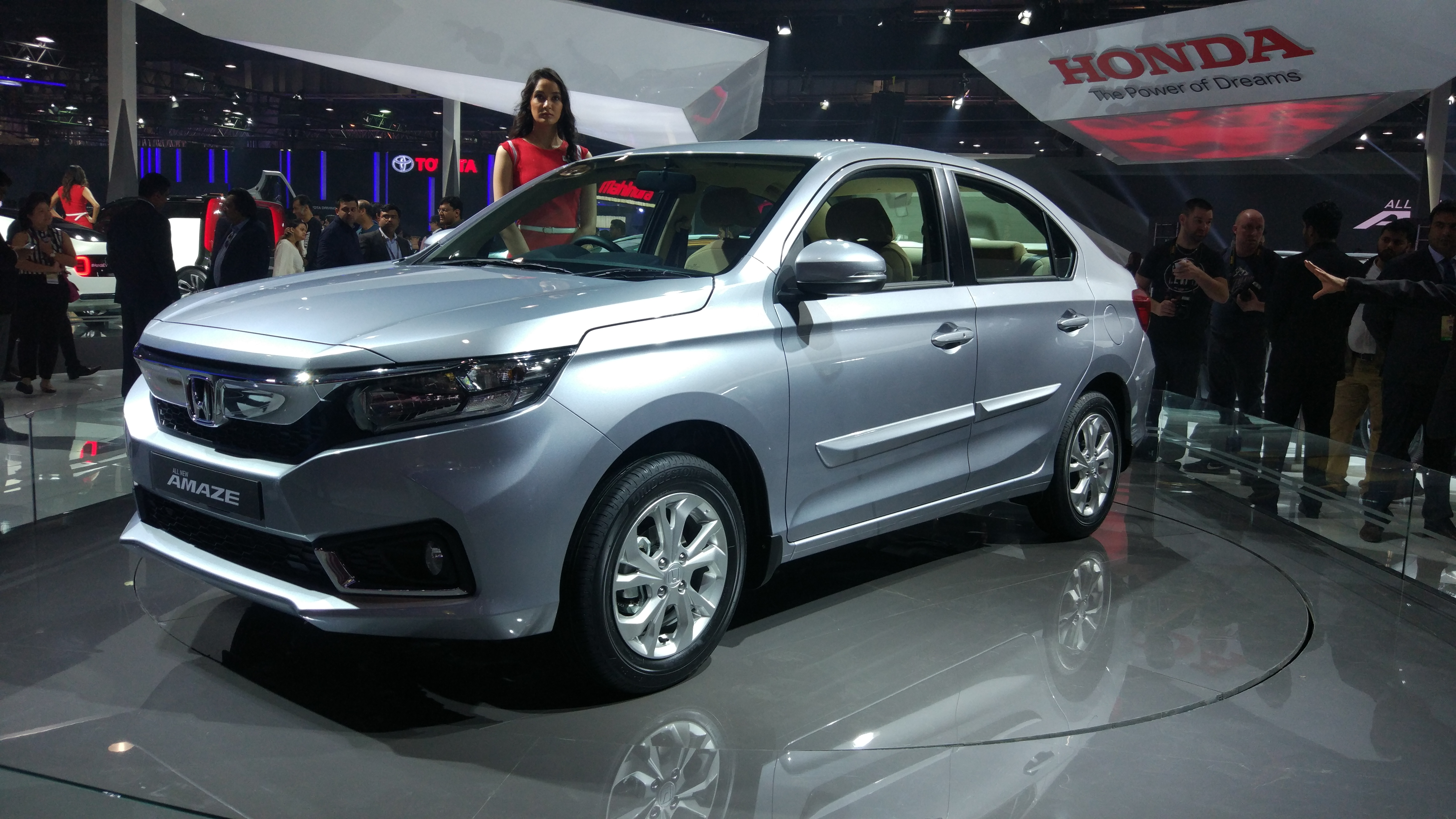 Honda Launched Amaze, Civic, Sports EV Concepts in Auto Expo 2018