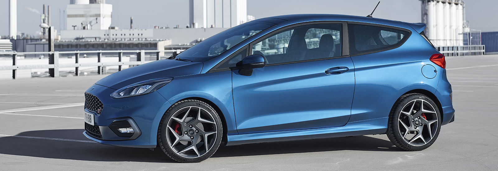 2014 Ford Fiesta ST2 Accelerates Faster in Britain