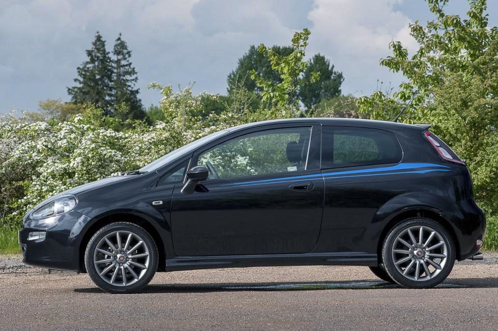 FIAT limited edition Punto Jet Black launched in UK Car Market