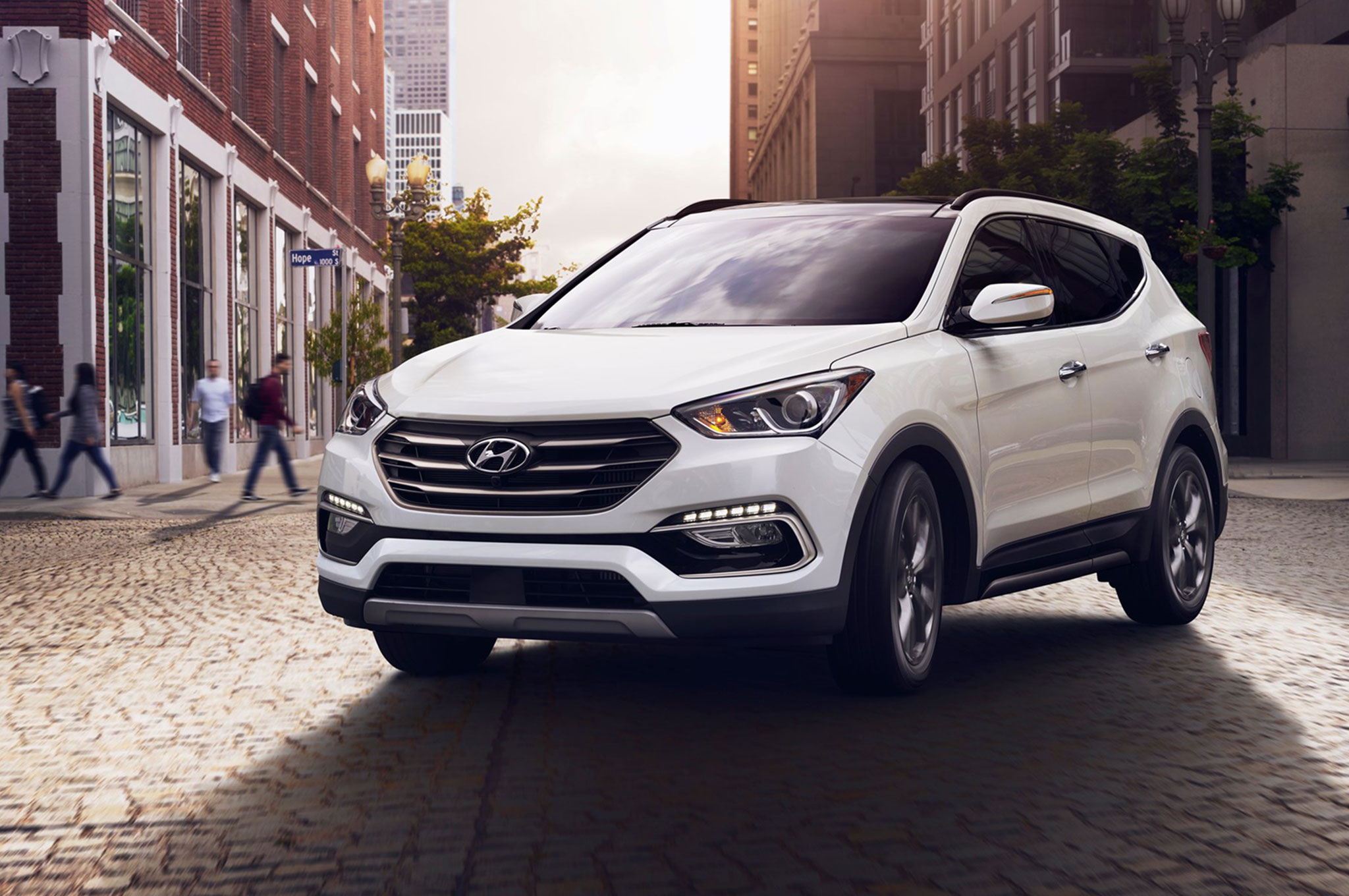 2013 Hyundai Santa Fe Sport Named One of Wards 10 Best Interiors