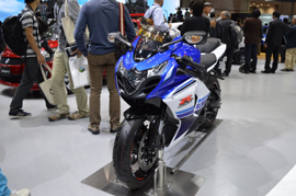 Watch out- the Suzuki GSX-R1000 2016 is coming up