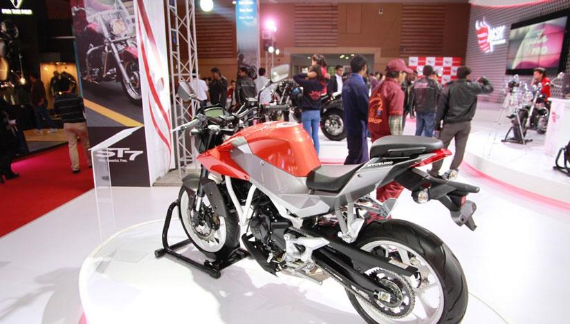 Hyosung Brand creates a Bike Storm