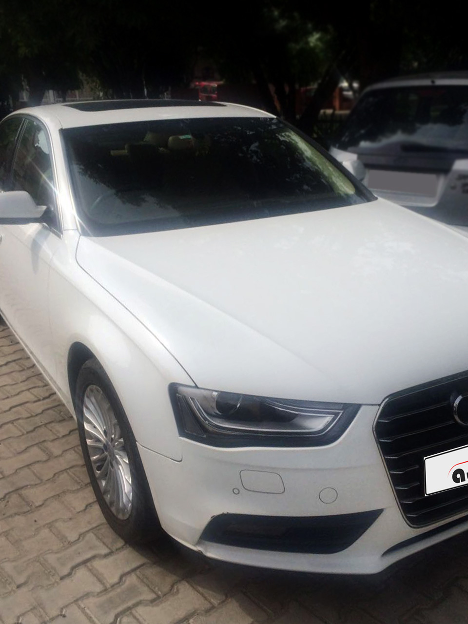 Audi A4 35 TDI Premium Sunroof