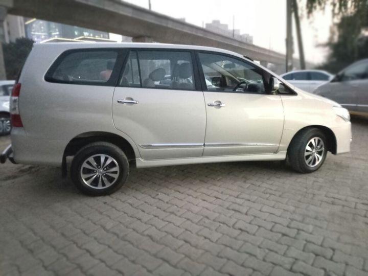 Toyota Innova 2.5 VX