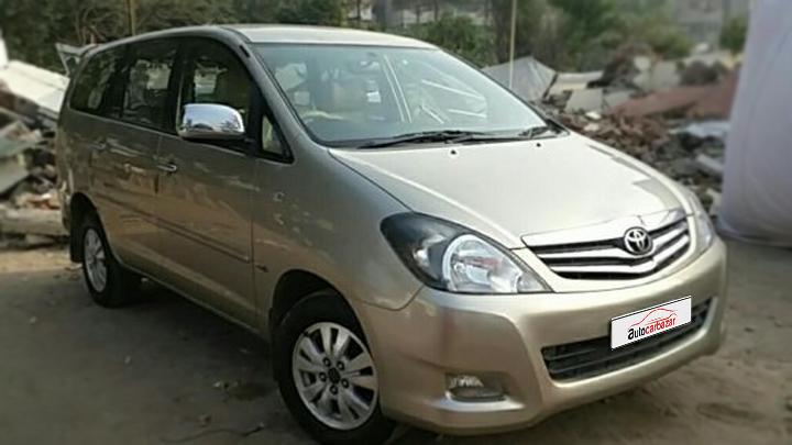 Toyota Innova 2.5 V