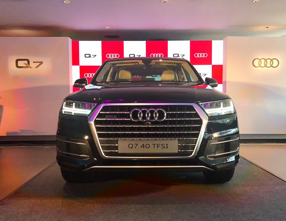 2017 Audi Q7 launched in India Petrol Powered at Rs 67.76 Lakh