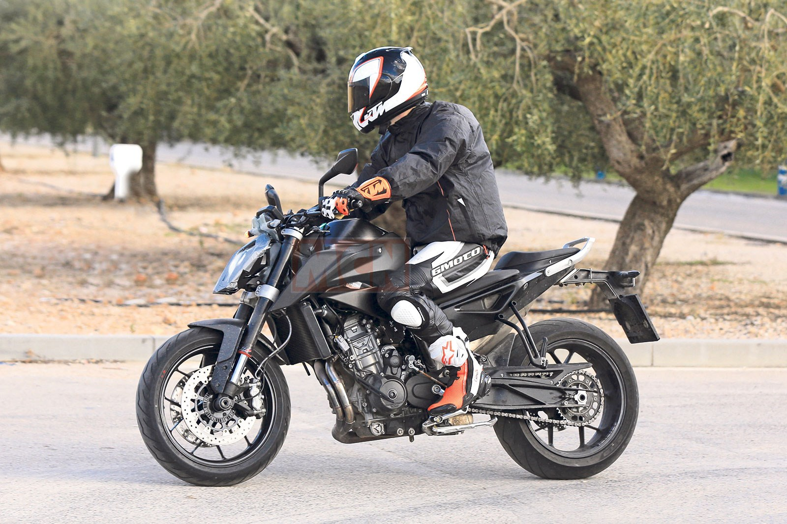 2017 KTM 790 Adventure unveiled at EICMA