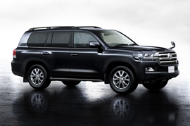 Let us get closer to the newly launched Toyota Land Cruiser 200