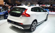 Volvo V40 petrol engine to launch tomorrow in India