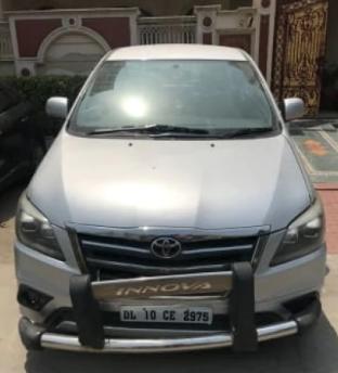 Toyota Innova 2.5 GX 7 STR BSIV