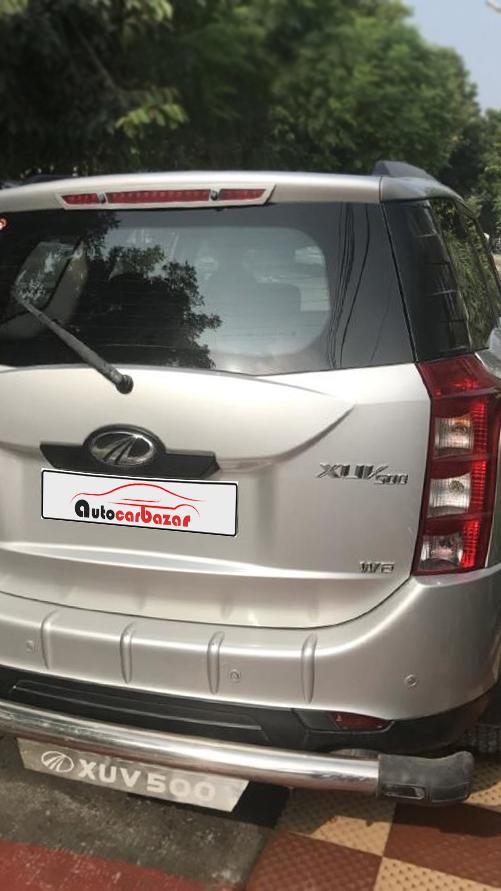 Mahindra XUV 500 W6