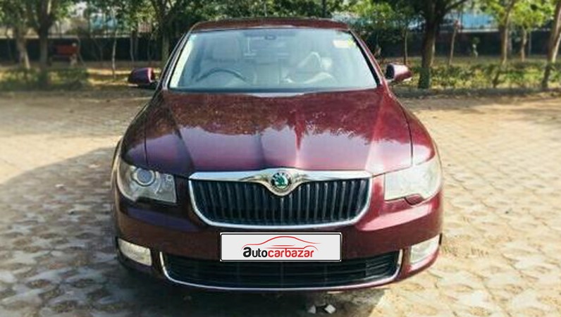 Skoda Superb Elegance 1.8 TSI AT